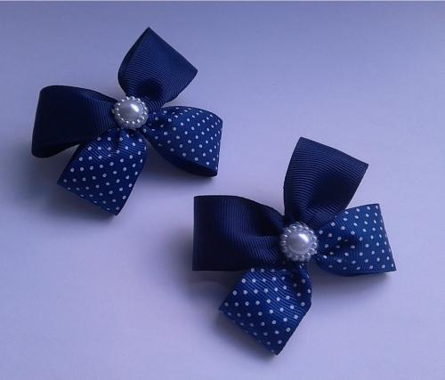 Бантики из комплекта темно-синий горошек 7,5-8см