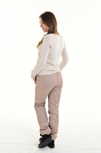 Утепленные зауженные женские брюки утеплитель синтепон пояс резинка, цвет - капучино