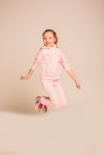 Светло-розовые спортивные брюки, модель 0406