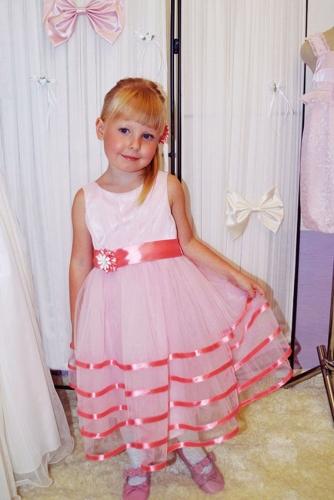 Нарядное розовое платье для девочки, модель 0125
