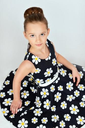 Нарядное черно-белое платье для девочки, модель 0142
