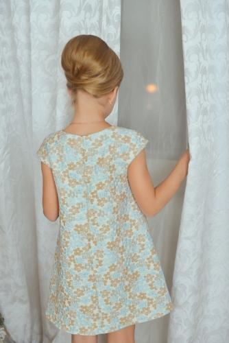 Нарядное бежево-голубое платье для девочки, модель 0131