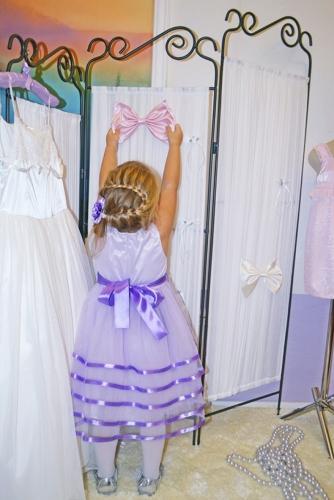 Нарядное сиреневое платье для девочки, модель 0125