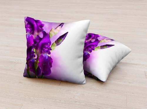 Фотоподушка Фиолетовый цветок в росе