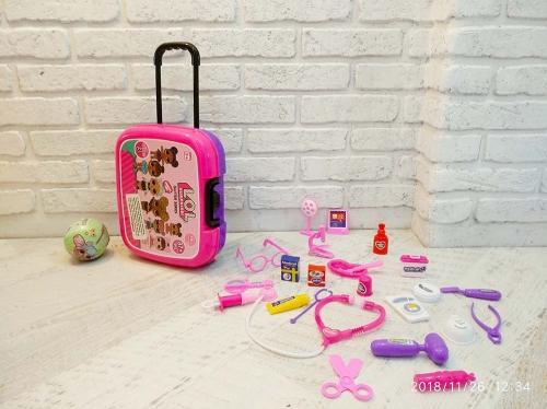 Большой чемодан на колесиках - сумка - столик для игр в больничку 3в1