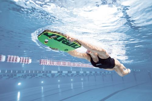 Доска для плавания KICKBOARD green (19-20)