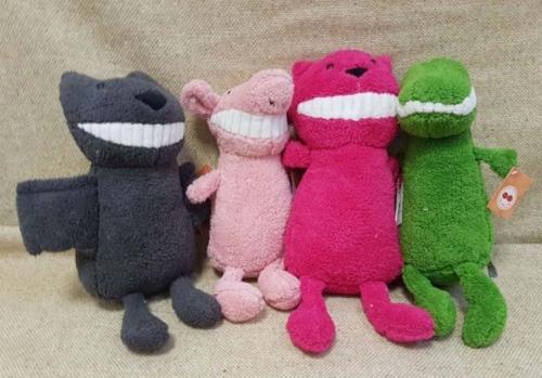 Плюшевые игрушки с улыбкой
