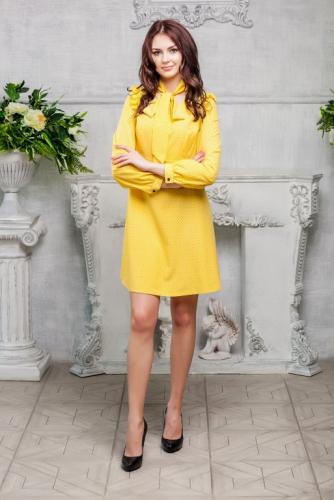 Платье желтое с мелким рисунком