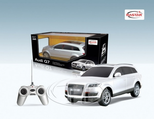 Машина р/у 1:24 Audi Q7