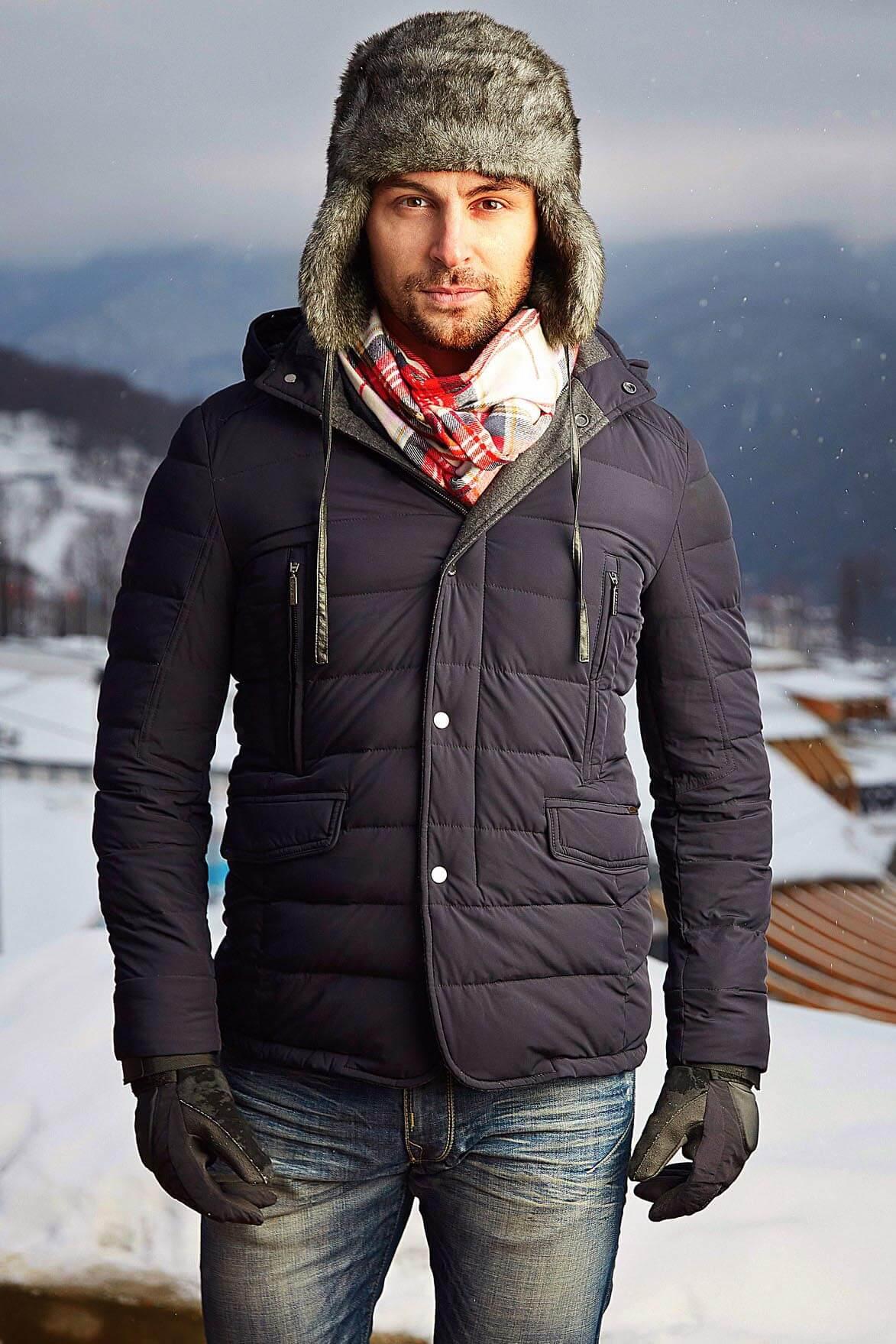 насколько мужчины в зимней одежде фото лишних людей