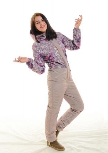Зимний женский комбинезон, основной цвет- бежевый, принт-карамель