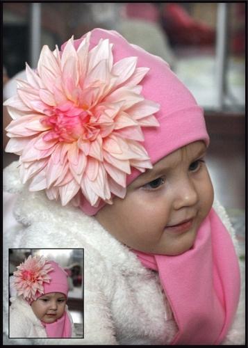 Розовая шапочка с розовым красивущим георгином