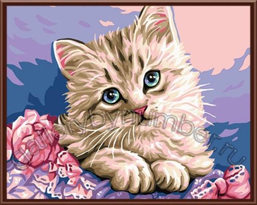 Котенок в цветах