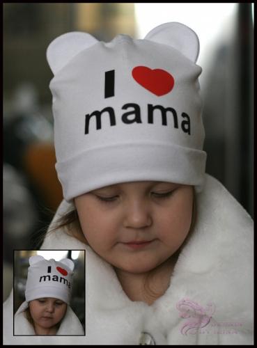 Белая шапка с ушками и принтом I love mama…